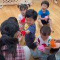 わらべうた遊び(1歳児クラス)